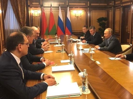От дефолта экономику Белоруссии может спасти только Москва