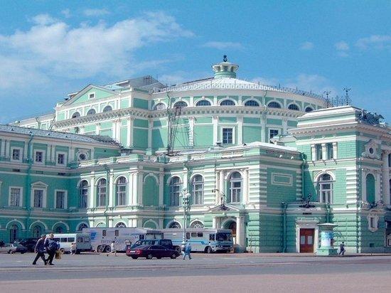 Посетительница Мариинского театра нашла в туалете скрытую видеокамеру
