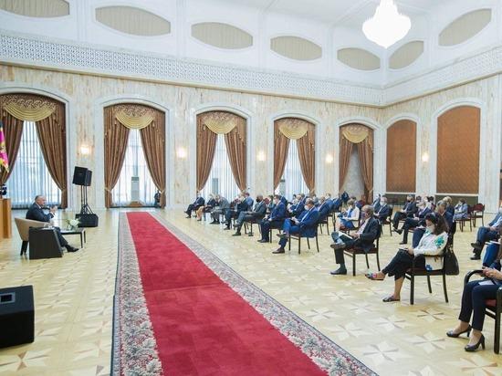 Президент Молдовы встретился с иностранными послами