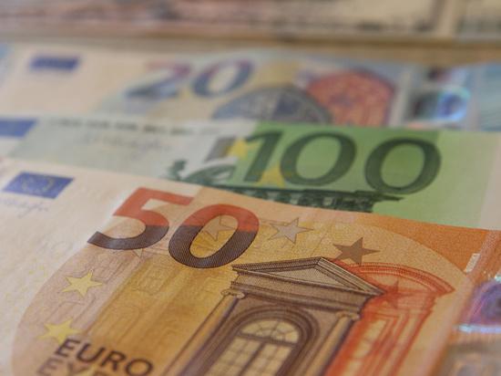 Ситуация с Навальным управляет валютным рынком