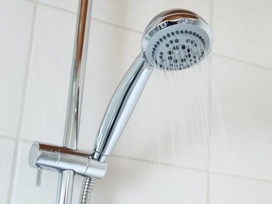 Горячую воду на неопределённый срок отключили в 8 псковских домах