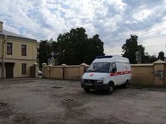 В Петербурге раскрыли кражу оборудования из машины скорой помощи