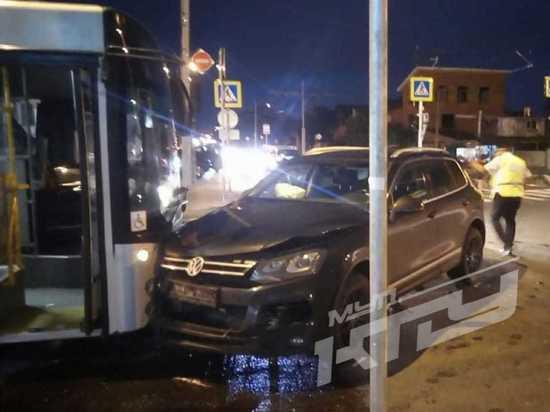 В Краснодаре произошло ДТП с участием «легковушки» и маршрутного автобуса