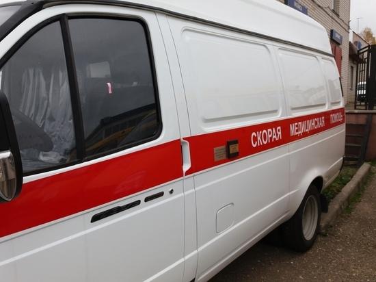 В Смоленске работник строительной организации упал с крыши