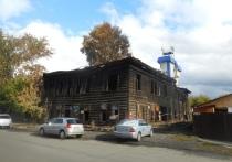 Дегтярев уточнил, что здание построили в начале ХХ века, в период Первой мировой войны, а жил там барнаульский врач Нил Михайлович Руднев