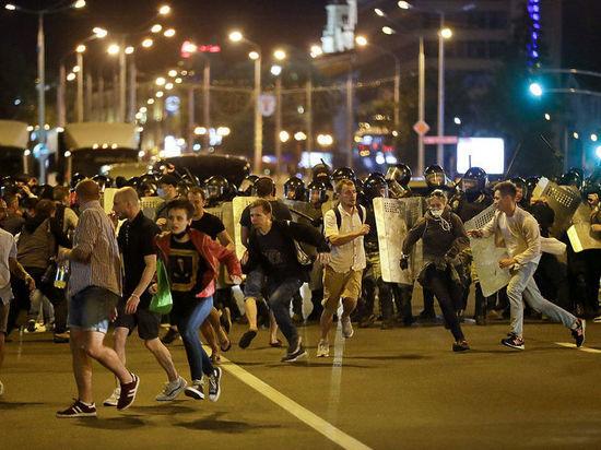 Лукашенко объяснил синяки избитых силовиками протестующих: «Попы красили синей краской»