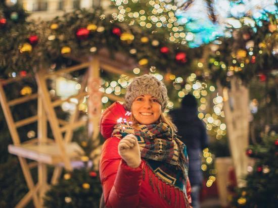 На украшение города к Новому году Смольный потратит более 44 млн рублей