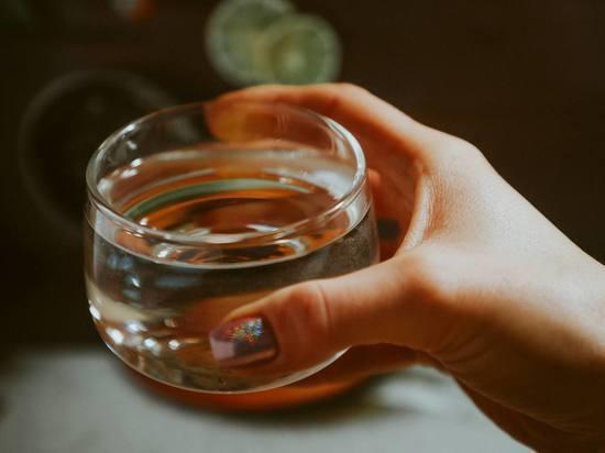 Врач назвал нужное количество воды в день для защиты сердца