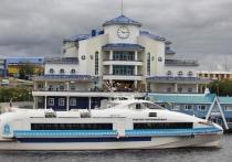 Теплоходы временно не возят пассажиров в Яр-Сале и Панаевск
