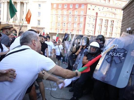 В Софии «великое народное восстание» заблокировало центр города