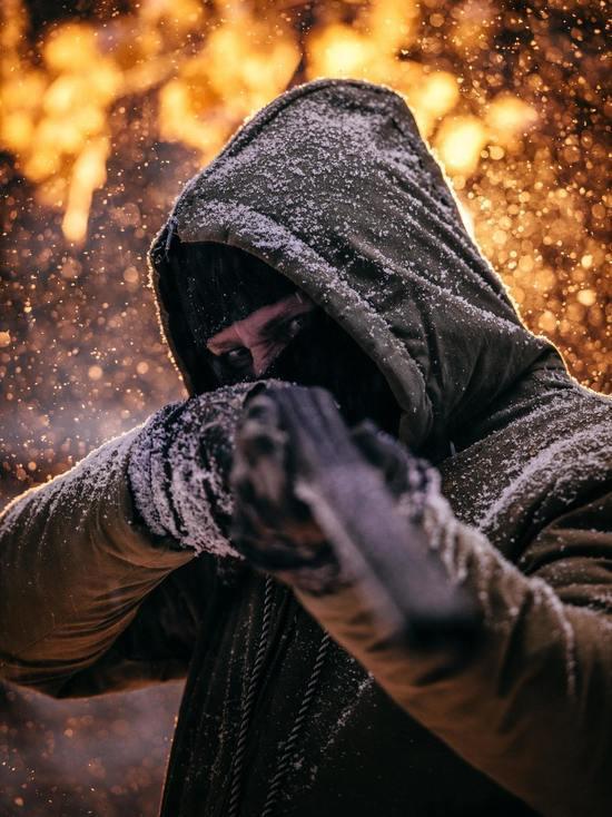 Неизвестный в медицинской маске расстрелял бизнесмена в Парголово