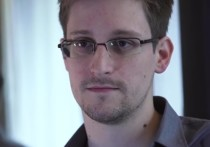 СМИ: Сноуден продлил вид на жительство в России на три года