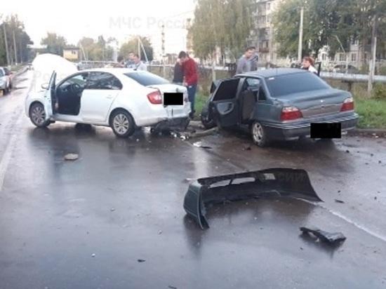 Четыре человека травмированы в массовом ДТП в Кондрово
