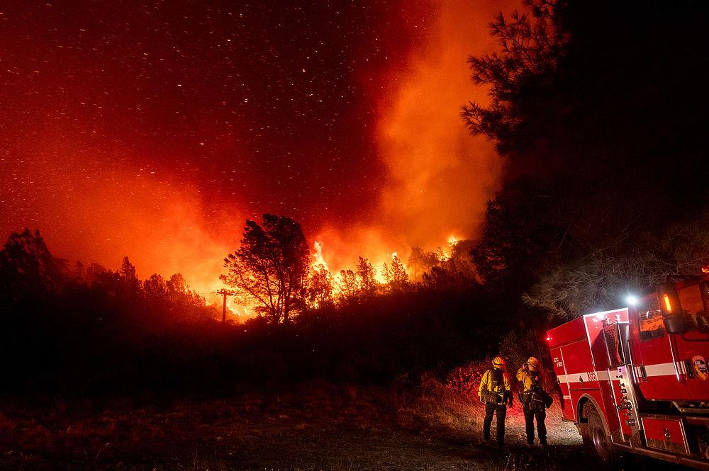 """""""Последний день Помпеи"""" в США: кадры жутких пожаров"""