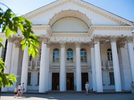 В Волгограде отменили аукцион на ремонт кинотеатра «Победа»
