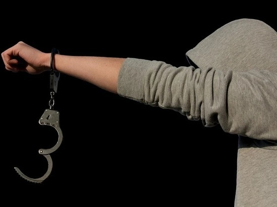 В Калуге росгвардейцы поймали убегающего с наркотиками мужчину