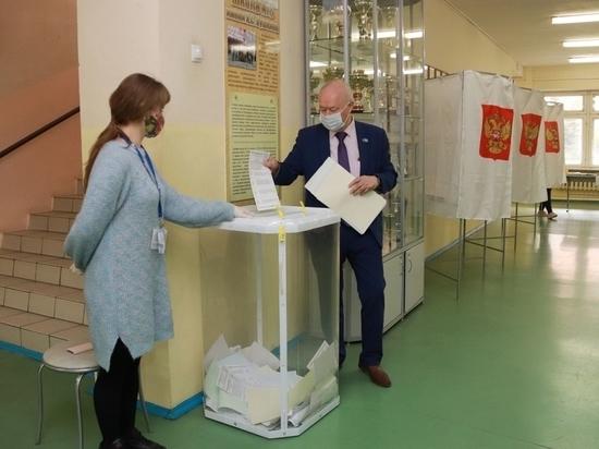 Глава городского самоуправления Калуги проголосовал в первый день выборов