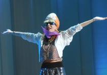 Агузарова неожиданно вернулась в музыку с альбомом странных песен