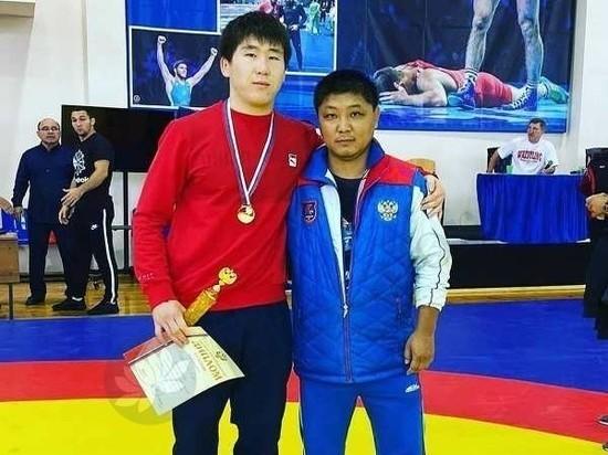 Калмыцкий борец победил в первенстве России среди юниоров