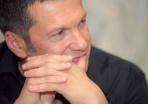 Телеведущий Владимир Соловьев раскритиковал актера Ивана Охлобыстина, так как он не помог своему другу и коллеге Михаилу Ефремову, устроившему смертельное ДТП в центре Москвы, а также, что он не спас его от «разложения личности»