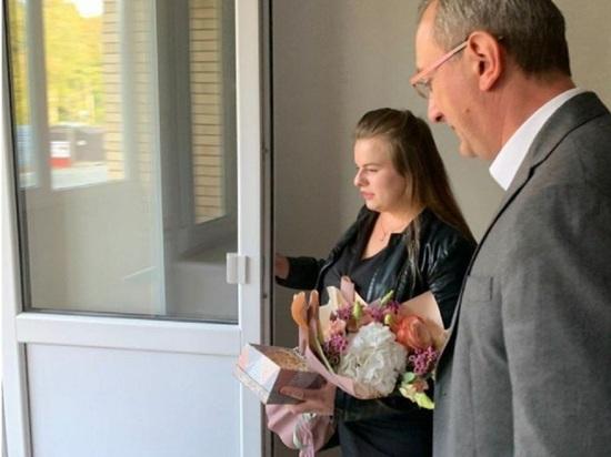 В Обнинске героине программы Гордона Первого канала вручили квартиру