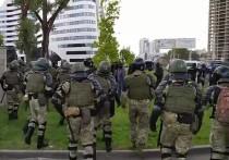 В Минске днем в воскресенье силовики снова начали задерживать участников акций протеста