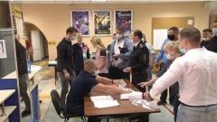 На избирательном участке в Ноябрьске провокаторы пытались отнять журнал учета