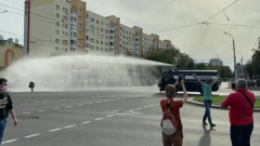 В Белоруссии демонстрации протеста разгоняют водометами