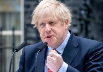 Премьер-министр Великобритании Борис Джонсон и его невеста Кэрри Симондс устроили секретное крещение своему четырехмесячному сыну, появившемуся на свет в разгар пандемии COVID-19