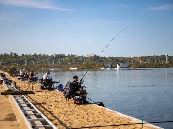 Рыбаки из трех областей соревновались на Яченском водохранилище в Калуге