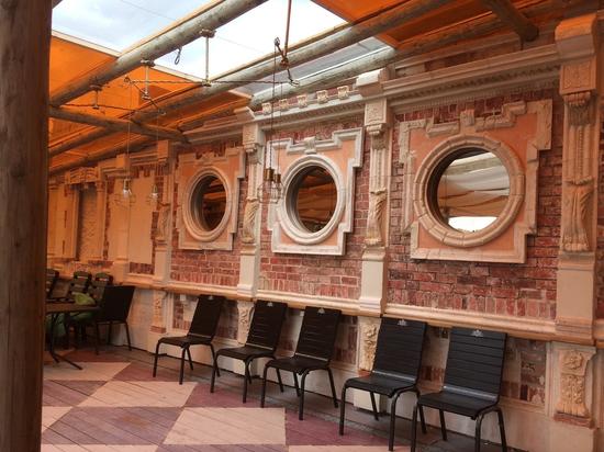 Ресторан «СтрогановЪ» на городском пляже в Пскове готовят к открытию