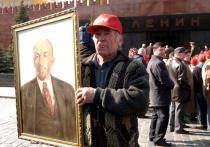 В понедельник вечером, 14 сентября, архитекторы приняли решение отменить конкурс по новому использованию здания Мавзолея Ленина на Красной площади в Москве