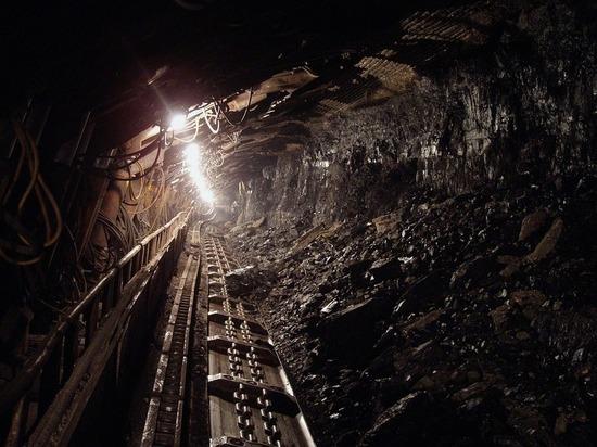 Число погибших при обрушении горной породы на кузбасской шахте увеличилось