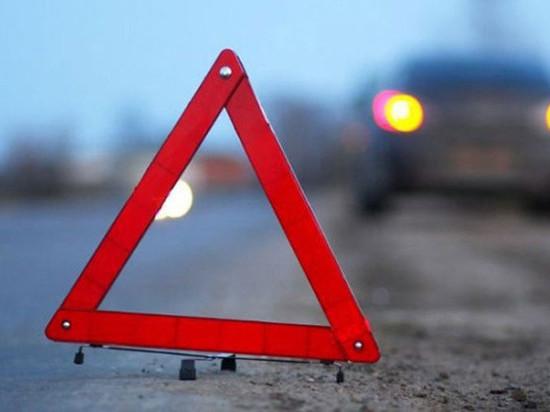 В Апатитах два автомобиля столкнулись на подъезде к путепроводу Белореченский