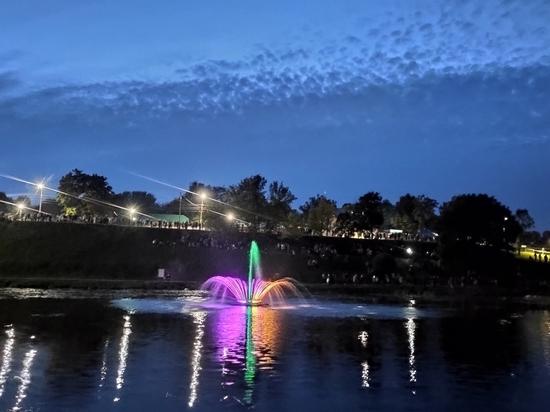 Стал известен график работы нового псковского фонтана