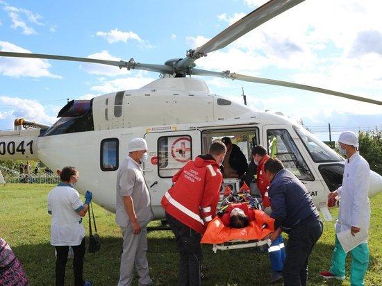 Санавиация экстренно доставила тяжелобольного пациента из района в больницу Чебоксар