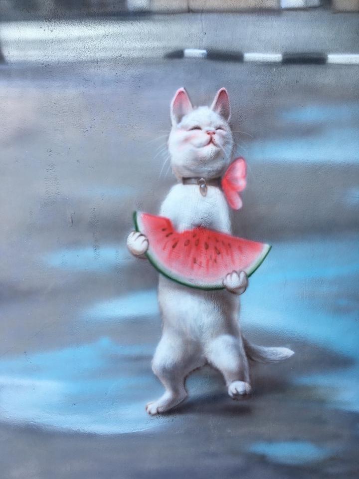 Рисунок с котами на Театральной площади испортился