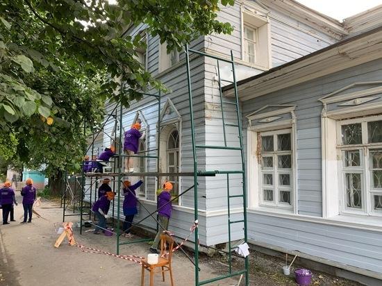 Волонтеры культуры реставрируют здание на Советском проспекте, 48 в Вологде