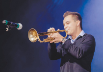 Поклонники творчества Михаила Задохина уже давно знают, что на концертах с его участием никогда не бывает скучно