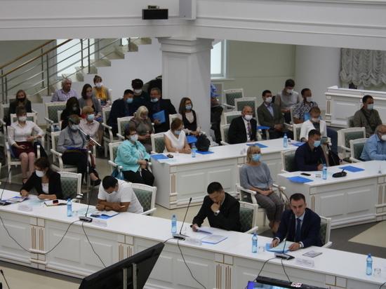 Утро 25 августа началось с аплодисментов для собравшихся в Доме правительства на областном совещании «Охрана труда - дело каждого», проводимом агентством по труду и занятости населения Сахалинской области