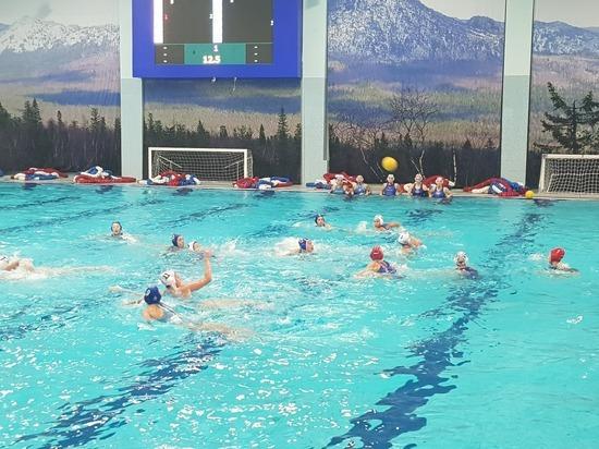 Ватерполистки «Уралочки» собрали победные призы традиционного турнира в Златоусте