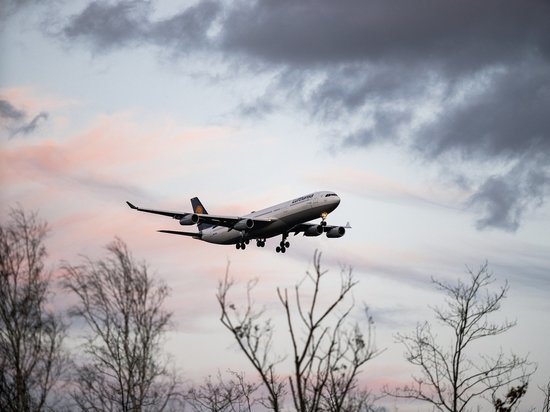 В аэропорту Казани из-за сообщения о бомбе сел самолёт из Петербурга