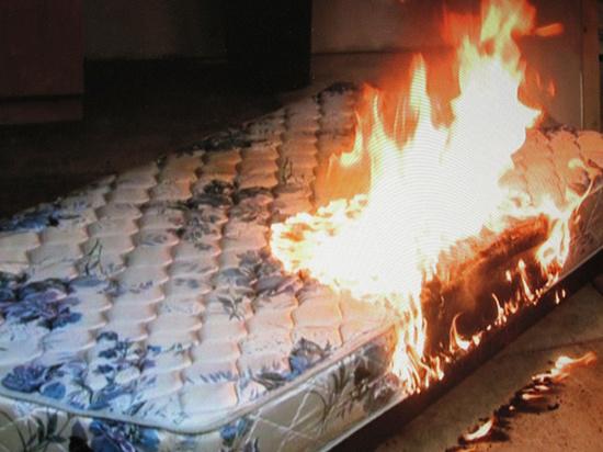 Курение привело к пожару в ивановской квартире