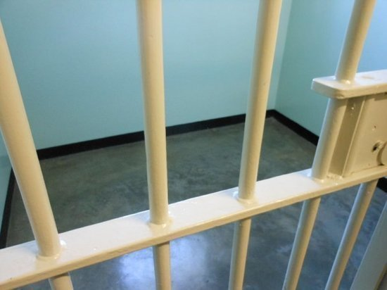 В Муравленко мужчина украл из квартиры земляка планшет