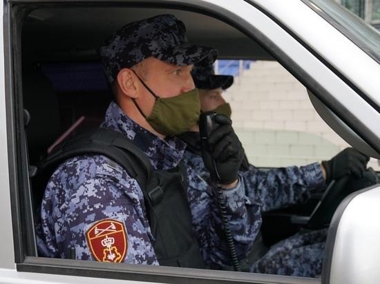 """Криминальный гость из Татарстана """"развлекался"""" в кировских ломбардах"""