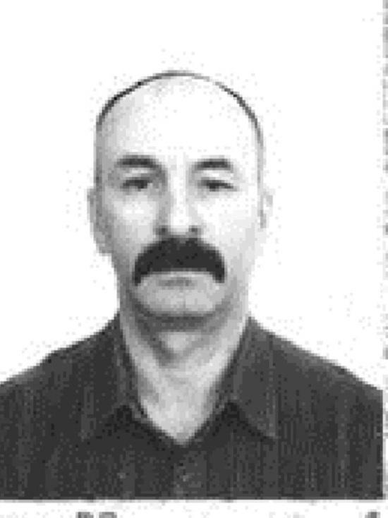 Кузбасские полицейские попросили помочь найти усатого мужчину в клетчатой рубашке