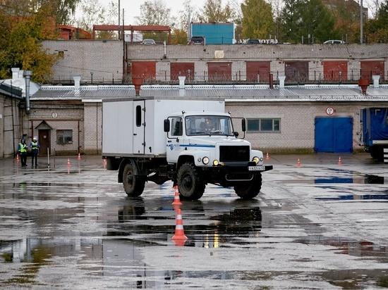 В Кировэнерго провели декадник по безопасности дорожного движения