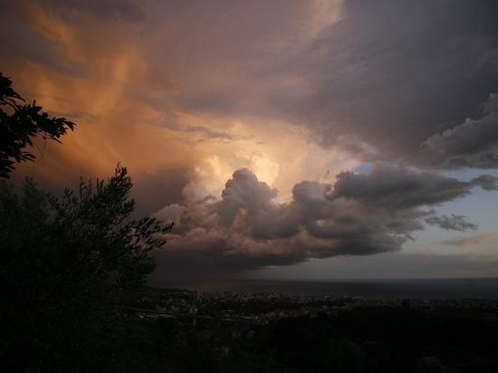 МЧС предупреждает о резком ухудшении погоды 17-го сентября