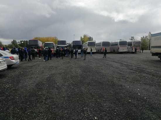 Более тысячи киргизских подданных скопилось на трассе на выезде из Башкирии
