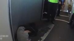 Дебошира задержали в Пулково за пьяные выходки: валялся на полу